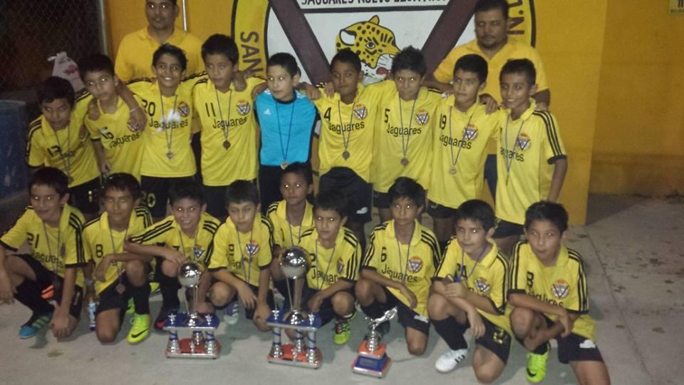 Campeon-dominical-2013-liga-San-Nicolas